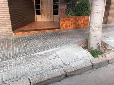 Arranjament de la vorera del carrer Anoia